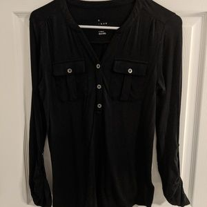 ❗LAST CALL❗Adjustable sleeve Button Blouse, NWOT
